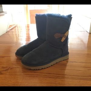 Women's Ugg boot Size 6.5
